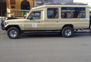 Extended Τoyota Land Cruiser for sale
