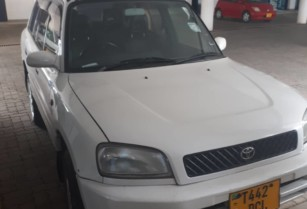 Toyota-rav-4-old-model-for-sale